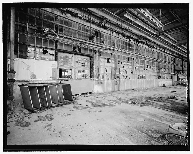 Ford Alexandria Plant INTERIOR, SERVICE BUILDING, CIRCA 1954 NORTH ADDITION, DETAIL VIEW LOOKING SOUTHWEST AT EAST END OF ORIGINAL EXTERIOR NORTH WALL