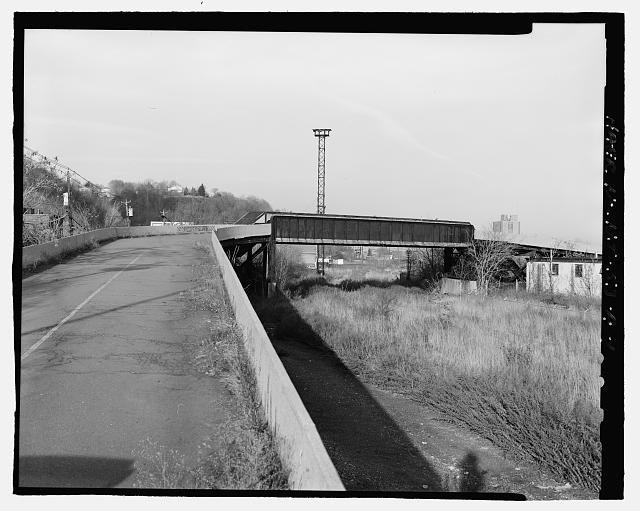 Ford Edgewater Assembly Plant OVERPASS, TO NORTHEAST