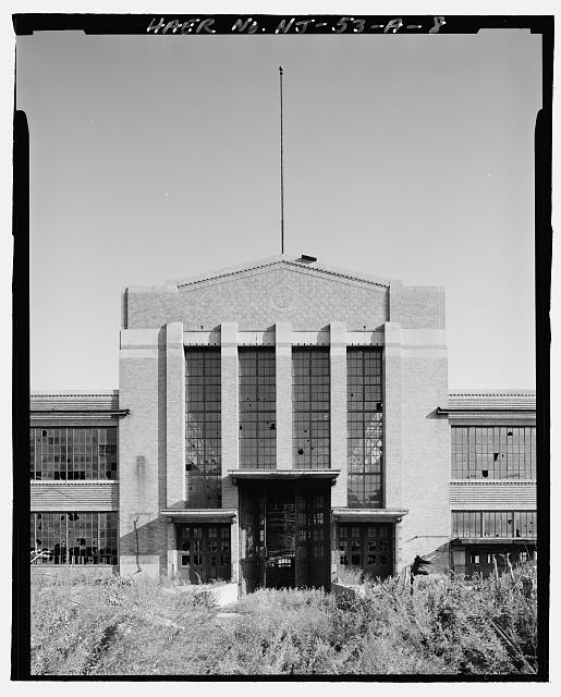 Ford Edgewater Assembly Plant CENTRAL PAVILION, WEST FACADE, TO SOUTHEAST