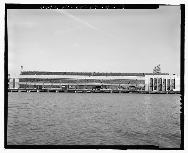 Ford Edgewater Assembly Plant EXPORT CRANEWAY SOUTH FACADE AND SOUTHWEST PYLON, TO NORTHEAST