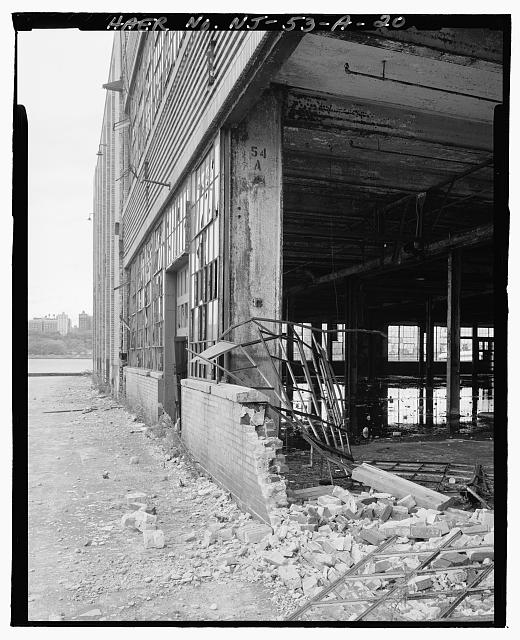 Ford Edgewater Assembly Plant NORTH FACADE DAMAGE, BAY 54, TO SOUTHEAST