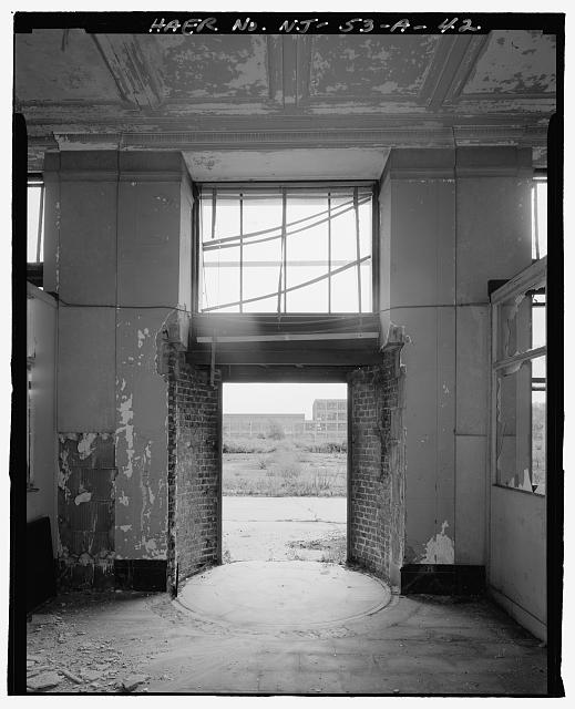 Ford Edgewater Assembly Plant ADMINISTRATIVE PAVILION ENTRANCE INTERIOR, TO SOUTHWEST