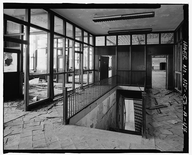 Ford Edgewater Assembly Plant ADMINISTRATIVE PAVILION SECOND FLOOR AND STAIRS, TO NORTHWEST