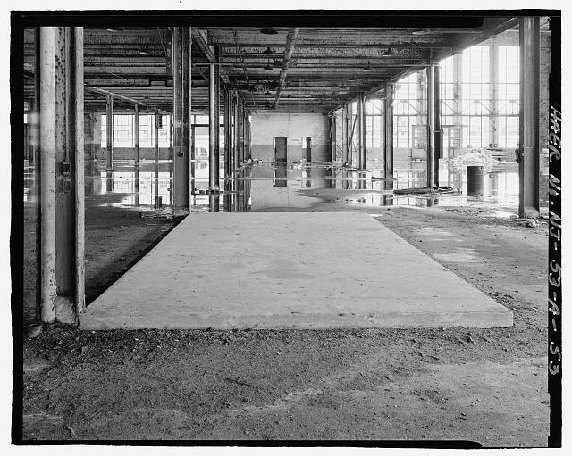Ford Edgewater Assembly Plant FIRST FLOOR, UNIDENTIFIED CONCRETE PLATFORM, BAY 54/3 SOUTH, TO SOUTHEAST