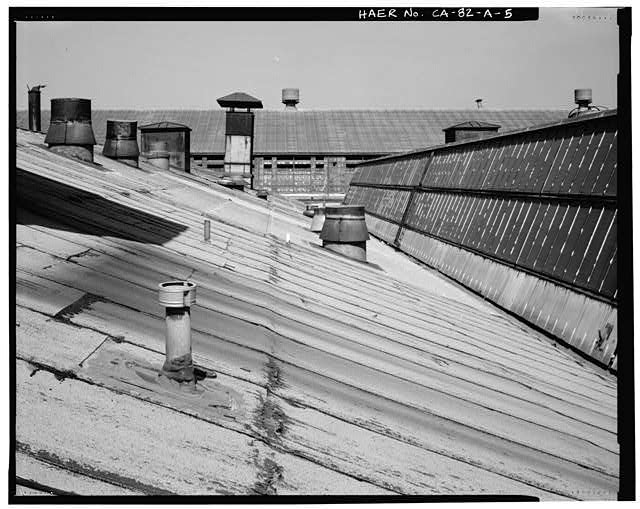 Ford Long Beach Assembly Plant SKYLIGHTS - ROOF DETAIL, LOOKING EAST TOWARD SECOND FLOOR WAREHOUSE FROM ROOF OF ASSEMBLY AREA.