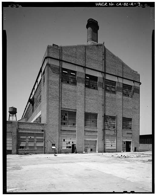 Ford Long Beach Assembly Plant SOUTHEAST CORNER OF PLANT - WAREHOUSE, SHOWING BOILER STACK.