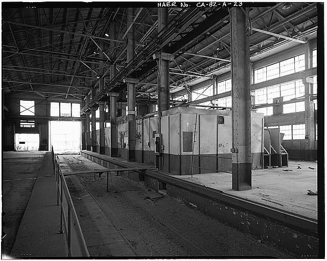 Ford Long Beach Assembly Plant LUNCH ROOM ALONGSIDE SUNKEN RAIL SPUR, NORTH END OF PLANT. VIEW TO NORTH-NORTHEAST.