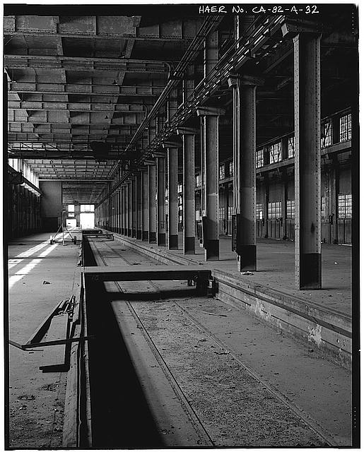 Ford Long Beach Assembly Plant SUNKEN RAIL SPUR. VIEW TO NORTH.
