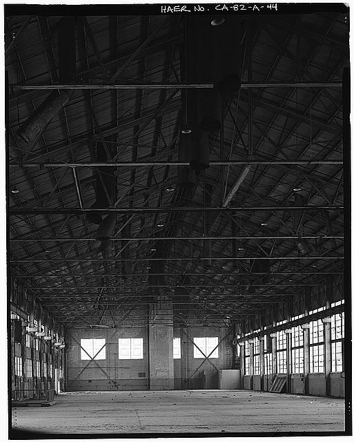Ford Long Beach Assembly Plant ROOF AND EXHAUST PIPES, SECOND FLOOR WAREHOUSE. VIEW TO SOUTH.
