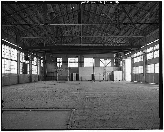 Ford Long Beach Assembly Plant SECOND FLOOR WAREHOUSE, WITH CRANE AND WOODEN BLOCK FLOORING. VIEW TO NORTH.