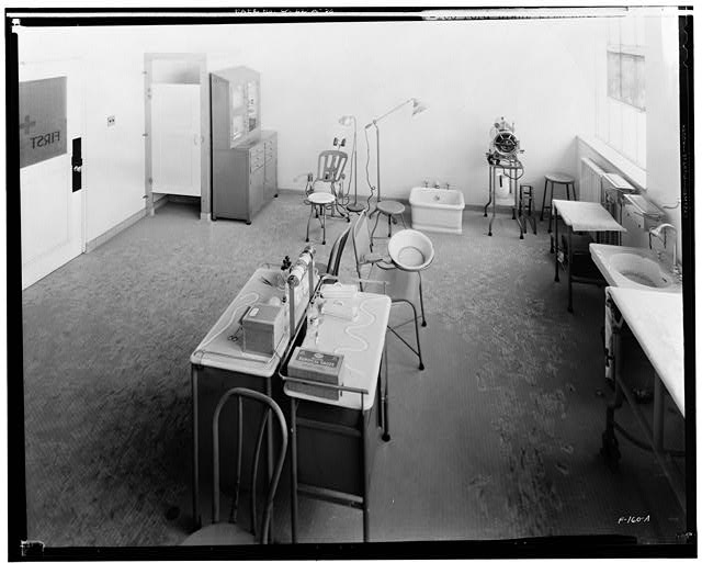 Ford Long Beach Assembly Plant FIRST AID ROOM, INTERIOR-OFFICE BUILDING/ ASSEMBLY BUILDING