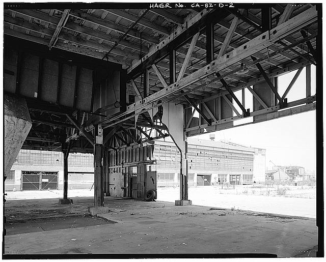 Ford Long Beach Assembly Plant SHED A, INTERIOR, TO NORTHEAST CORNER OF MAIN PLANT. VIEW TO NORTHWEST.