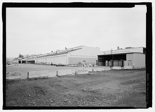 Ford River Rouge Plant B Building NE CORNER, LOOKING SSW (170 DEGREES).